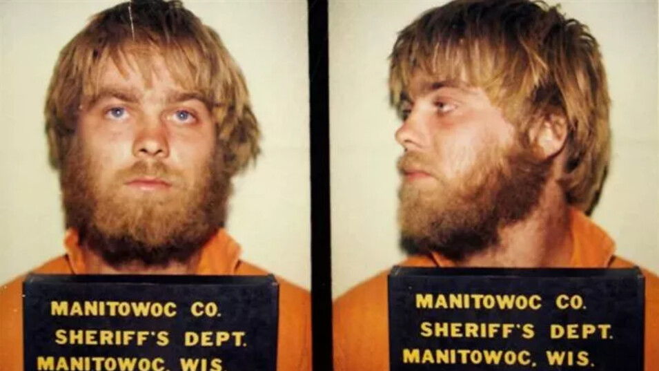 A double mugshot of young Steven Avery in an orange jumpsuit with a placard that reads Manitowoc Co. Sheriff's Dept. Manitowoc, Wis.