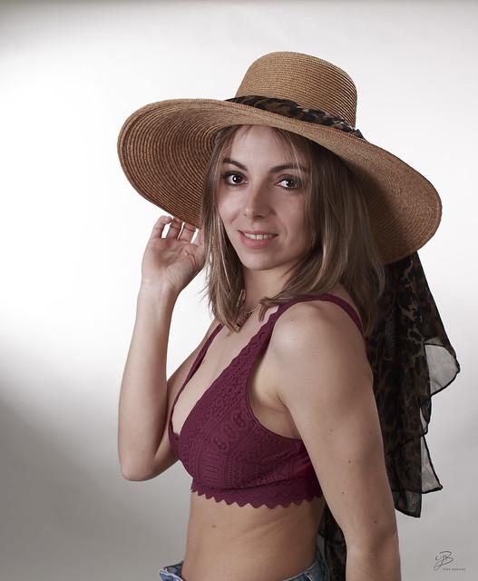 Chapeau Miss !!  IMG_0   7705