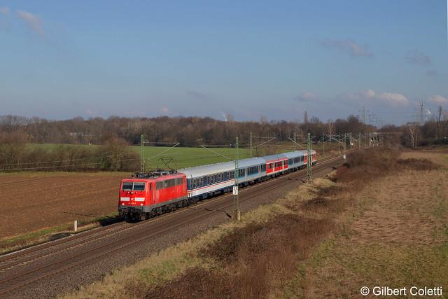 111 056 mit RB 48 nach Köln