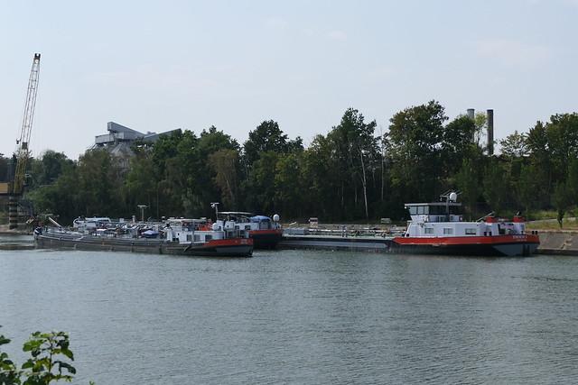 Istar-6-12-08-2020-Briegden-Neerharen bij de kruising Albertkanaal