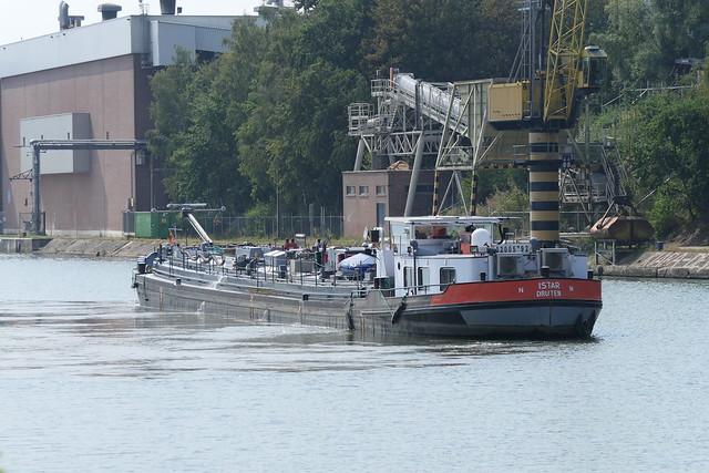 Istar-3-12-08-2020-Briegden-Neerharen bij de kruising Albertkanaal