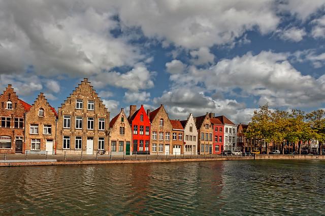 discover Bruges