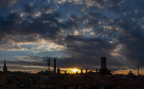 2021 anno bologna cidade città city ciudad luoghi panorama puestadesol pôrdosol sunset tramonto ville 全景图 市 日落