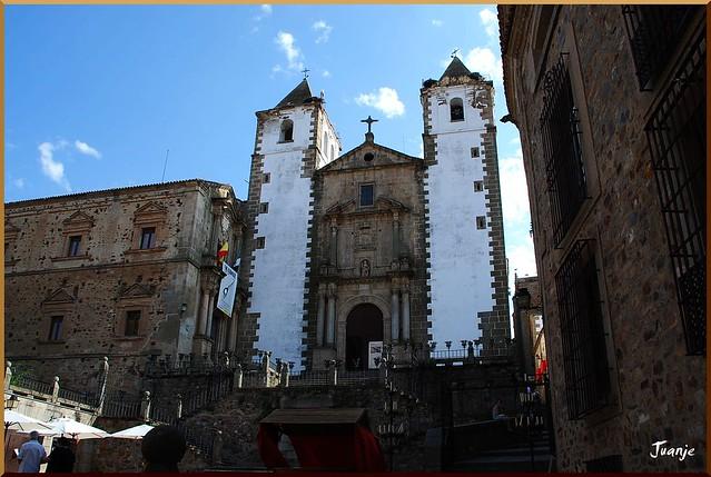 Iglesia de San Francisco Javier (Cáceres, Extremadura, 3-7-2010)