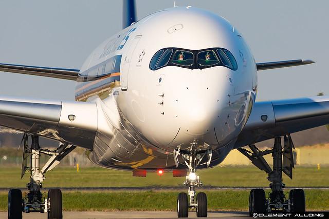 Singapore Airlines Airbus A350-941 cn 469 F-WZFX // 9V-SHU