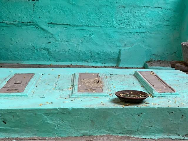 City Hangout - Peer Baba's Courtyard, Mohalla Qabristan