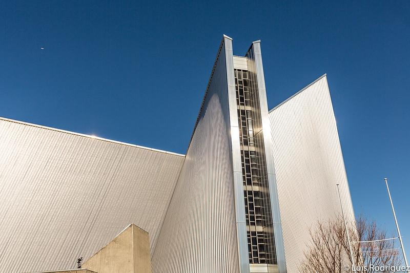 Vidrieras verticales de la catedral