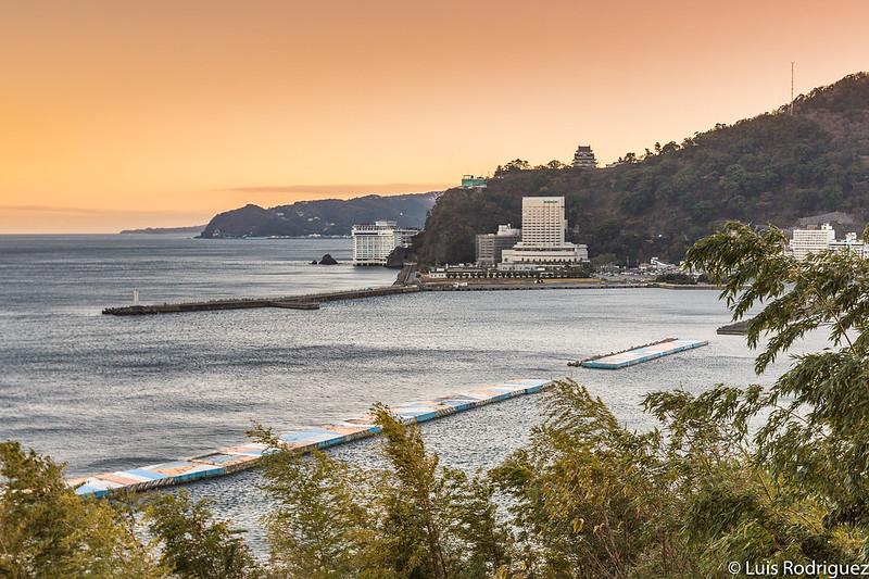 Vistas de la bahía de Atami