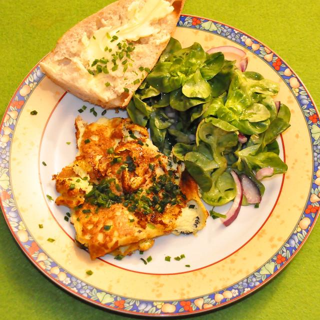 März 2021 ... Omelette mit Feldsalat und Butter-Baguette ... Brigitte Stolle