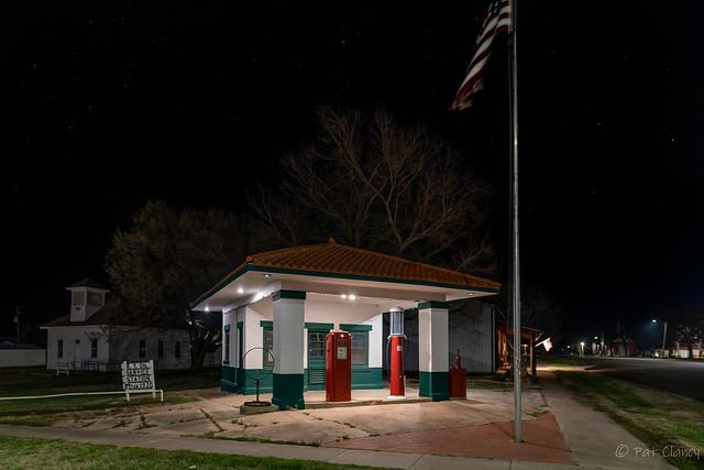 1920 station in Howard Kansas
