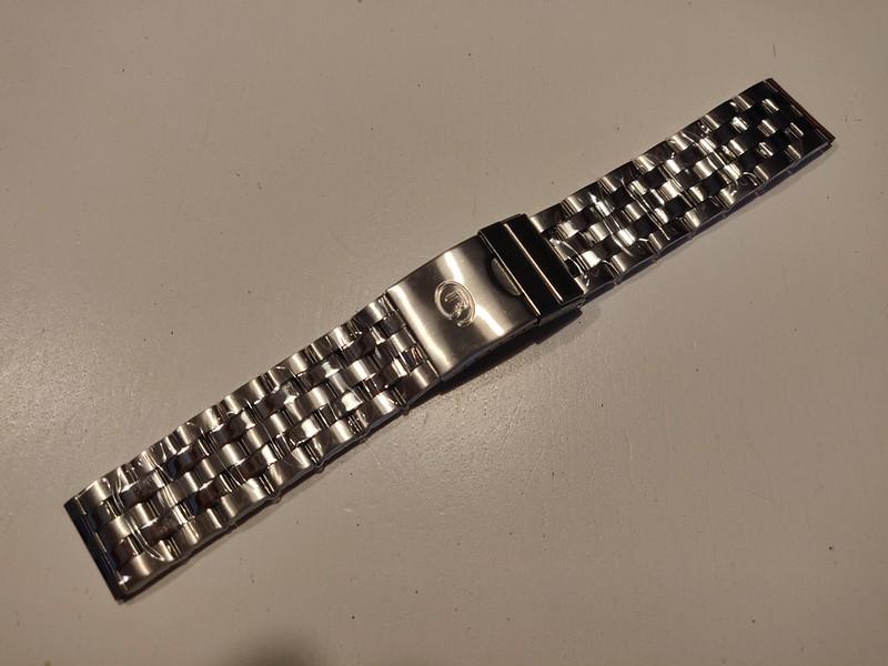 [Vendus] Bracelet Amphibia et kit d'outils 51068722501_7e5f9ca167_c