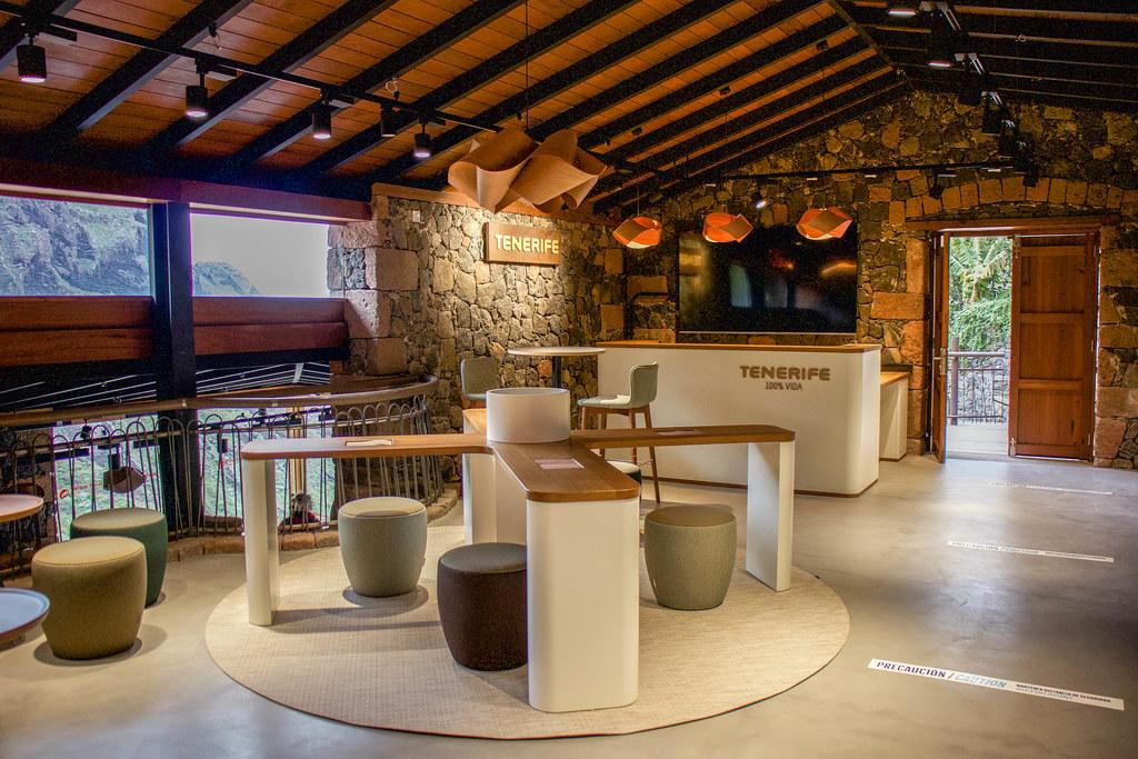 Interior del centro de visitantes de Masca