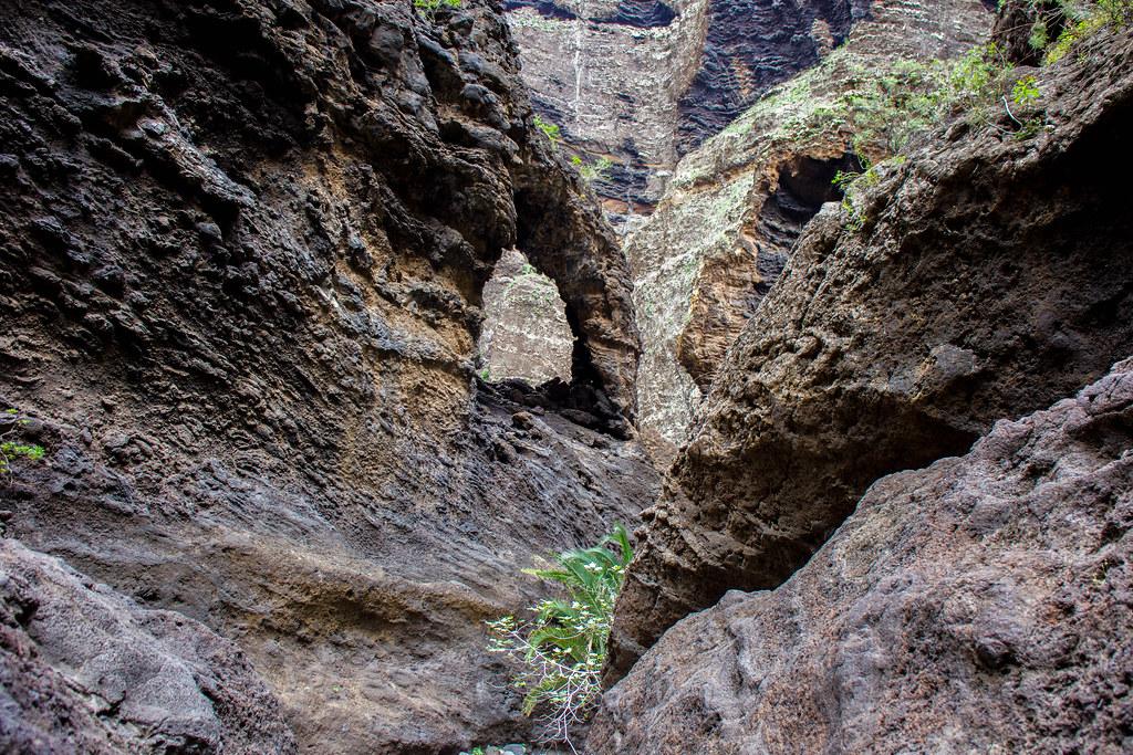 Arco en el interior del barranco de Masca