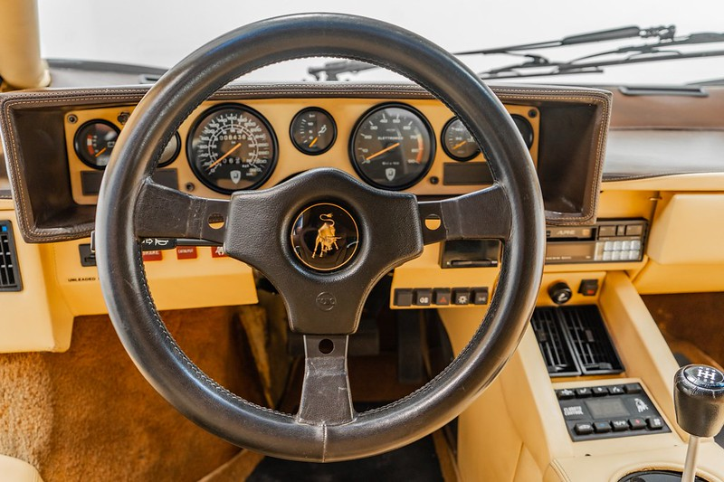 Lamborghini-Countach (12)