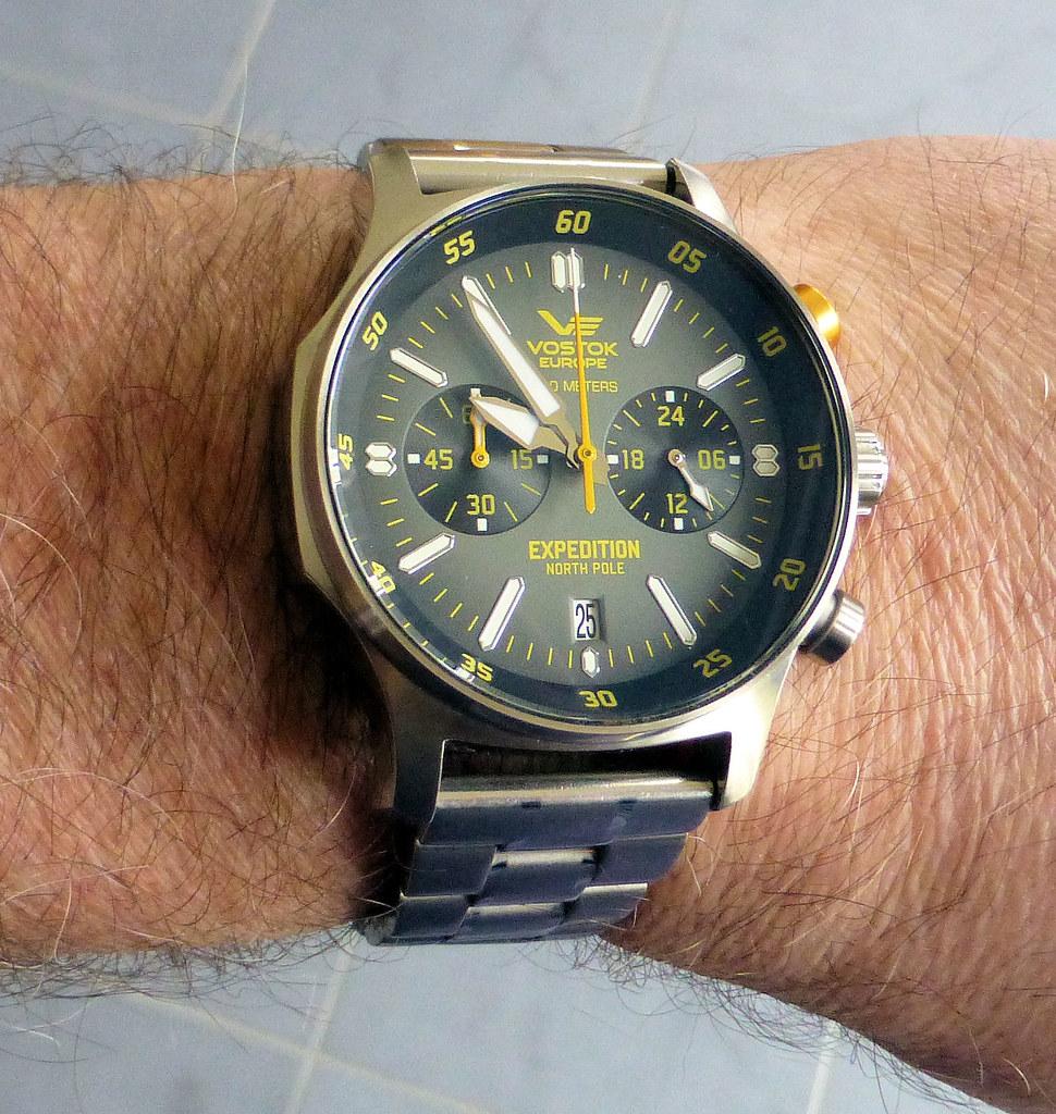 VE chrono bracelet wrist
