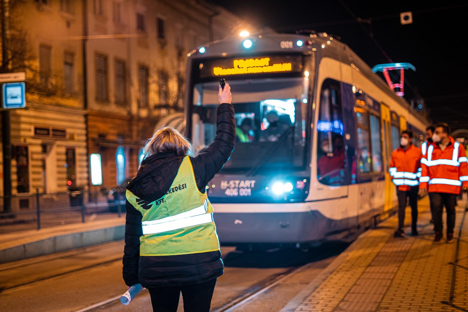 Történelmi pillanatok: először járt Szegeden a tram-train