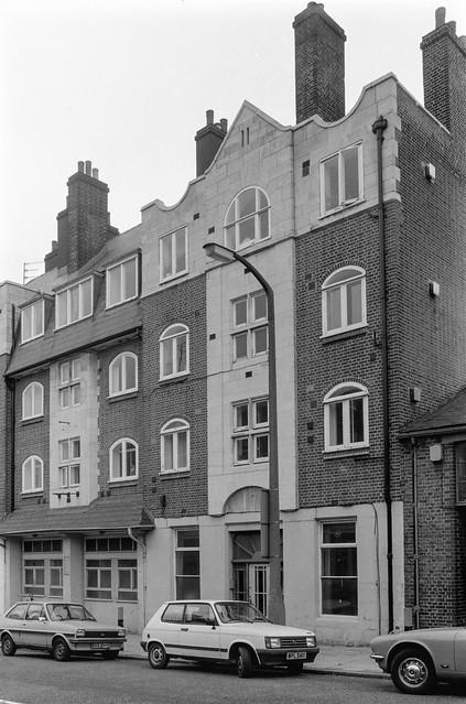 217, Blackstock Rd,  Finsbury Park, Islington, 1989 89-10b-43
