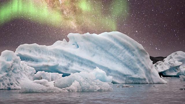 Aurora over Jökulsárlón