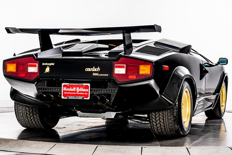 Lamborghini-Countach (7)