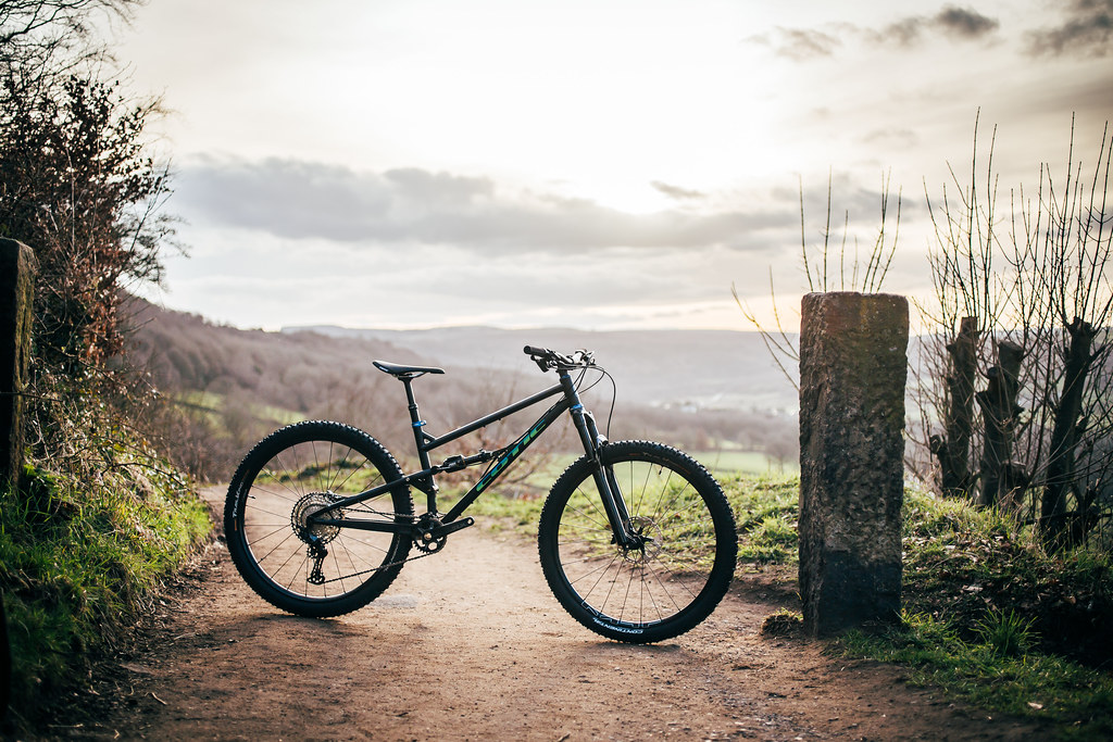 Cotic FlareMAX off-road-cc review, cotic flaremax, 29er mountain bike, uk made, downcountry mountain bike, short travel ripper, reynolds 853, steel full suspension