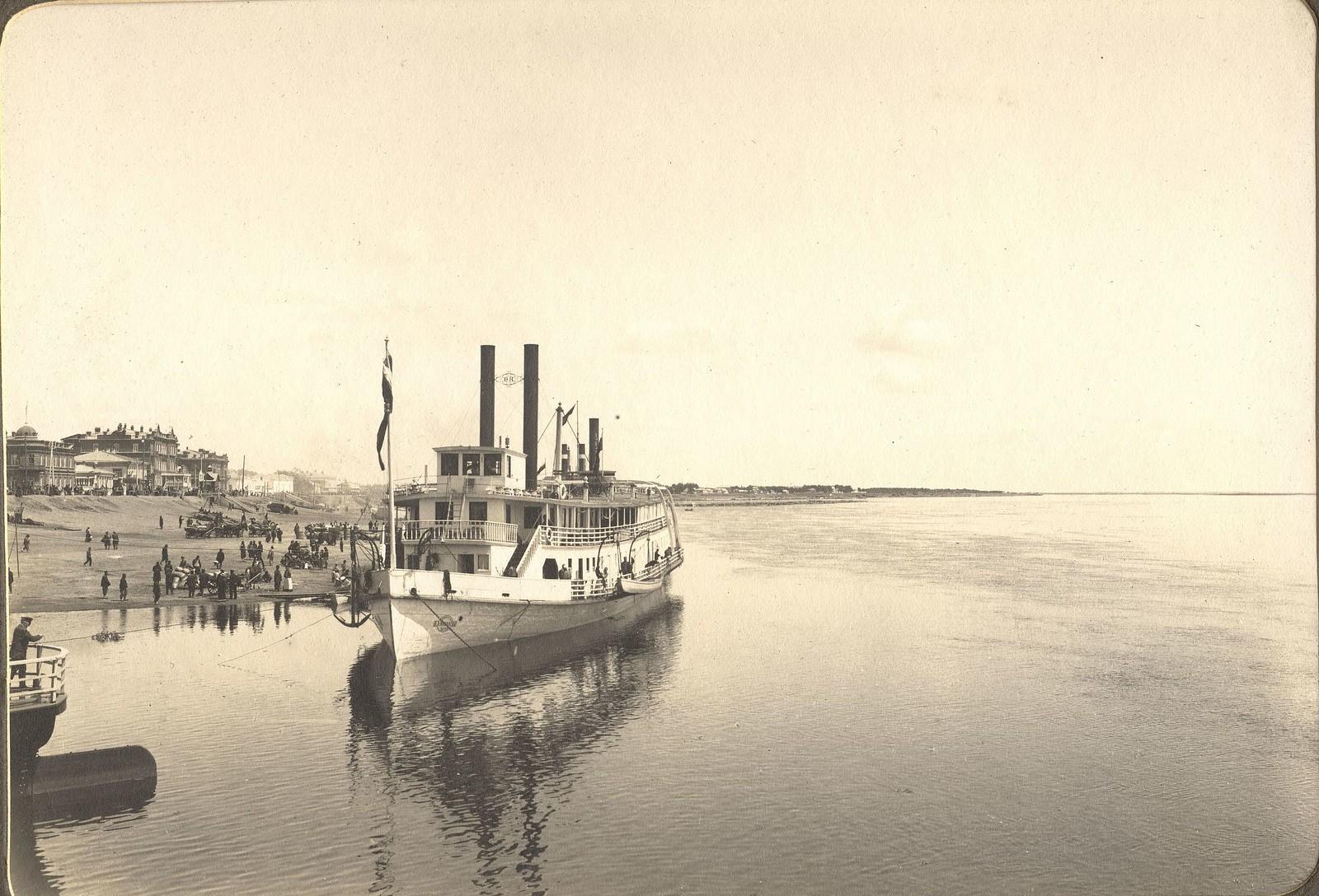 Пароход «Петербург» у пристани