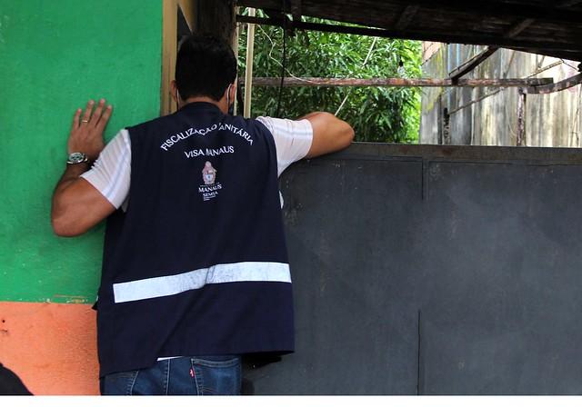 25.03.21 - Visa Manaus fiscaliza produtos com validade adulterada