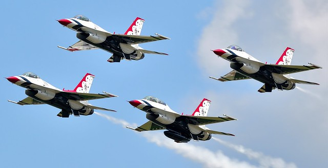 F-16 Fighting Falcon USAF Thunderbirds  Jets Air demonstration Squardron