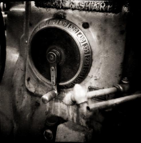 bw film diana toycamera anny millingmachine dial industrial expiredfilm smena64 rodinal machine tool brownandsharpe