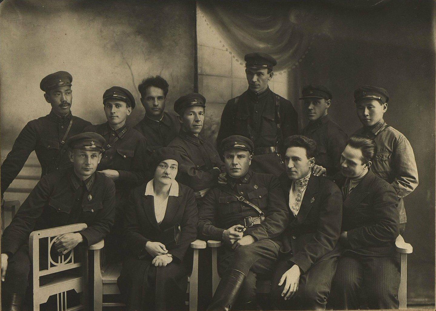 1934. Группа сотрудников ОГПУ. 2-я слева Назарбекян А.З. Хабаровск. Сентябрь