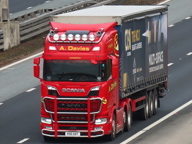 A Davies, Scania R580 V8 (K50ADT) On The A1M Southbound