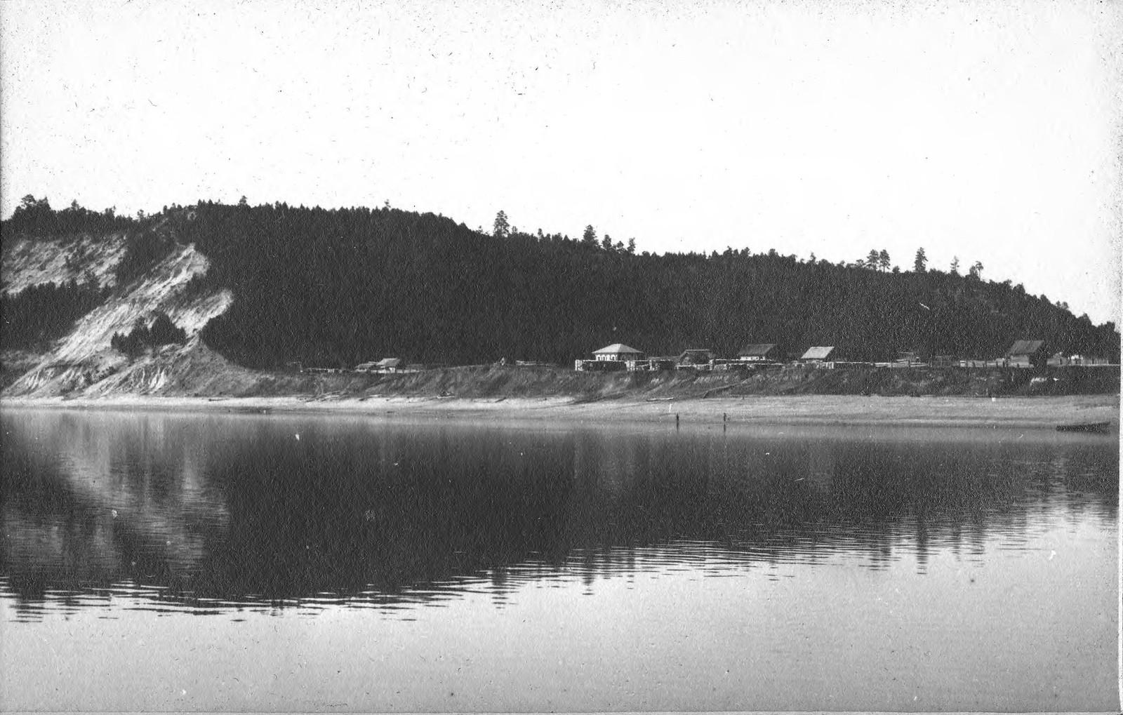 Вид села Малая Сазанка на реке Зее