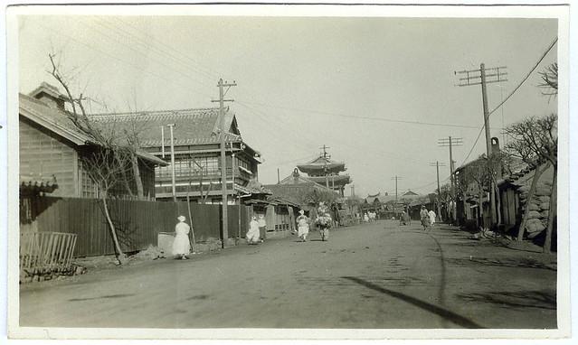 Street view of Heijo (Pyongyang) (1929)