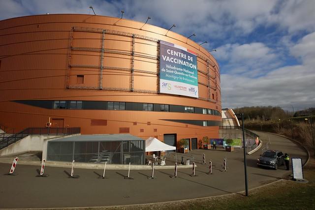 Centre de vaccination au vélodrome de national de Saint-Quentin-en-Yvelines