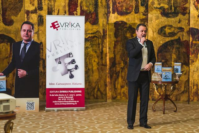 """Ediție aniversară a cărții-fenomen """"Antreprenoriat"""", de Marius Ghenea"""