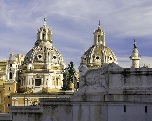 Cupole a Roma nelle vicinanze di piazza Venezia