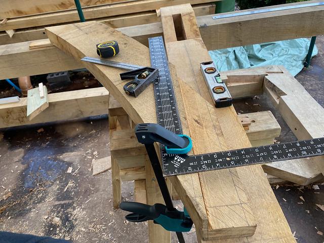 Second ridge beam brace