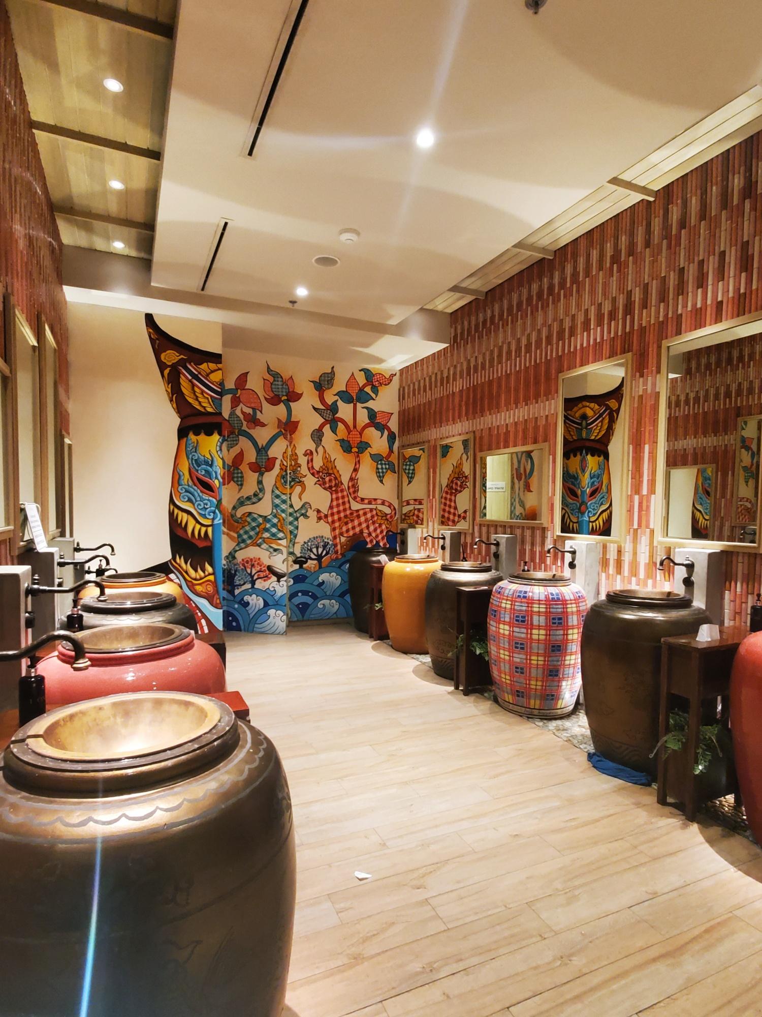 Iconsiam Bangkok washroom