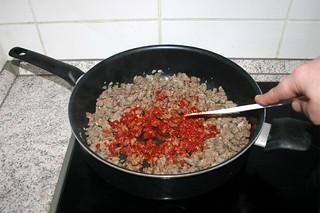 19 - Braise tomato puree / Tomatenmark andünsten