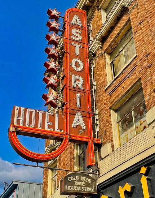 2021 - Vancouver - 7 Star Hotel Astoria