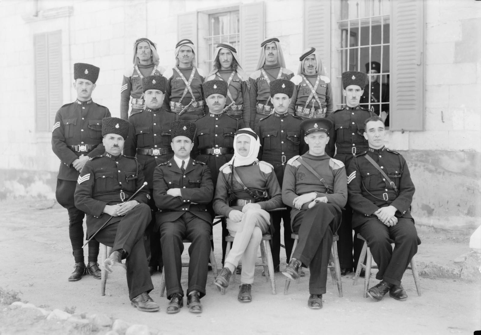 01. Группа полицейских и офицеров Беэр-Шевы