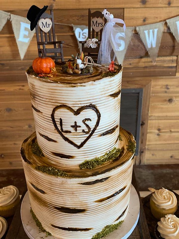Cake by Madeline's Cakery