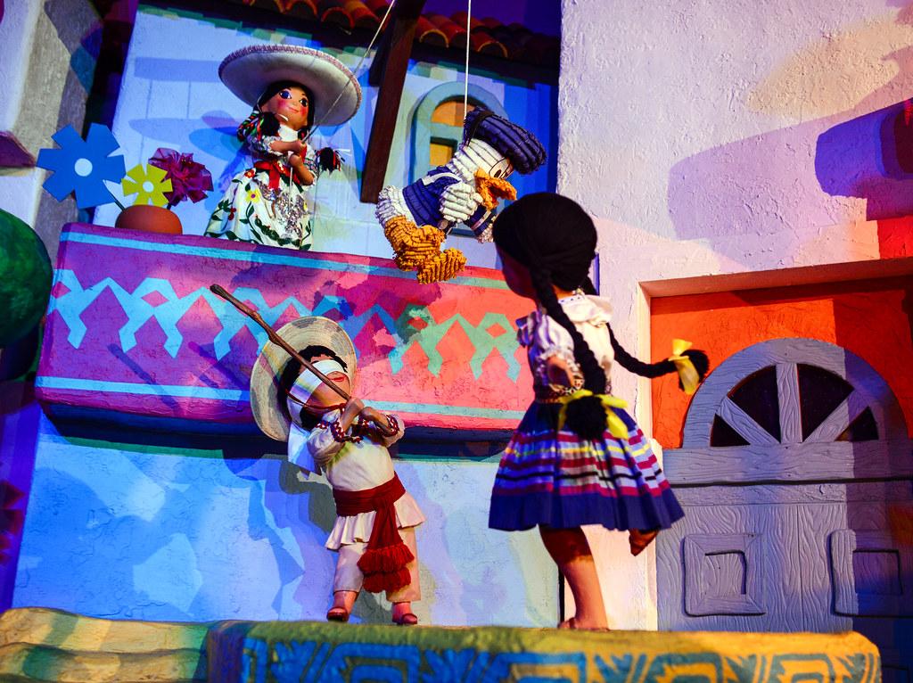 Donald pinata Grand Fiesta Tour Mexico Epcot