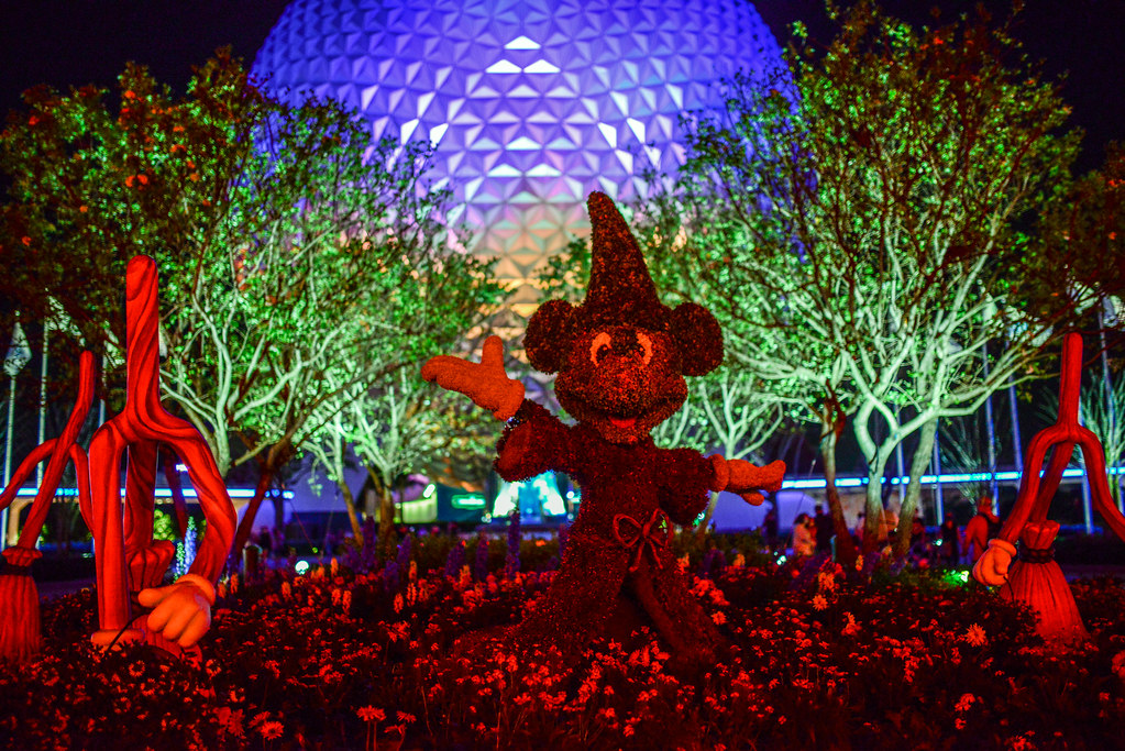 Sorcerer Mickey SSE Epcot