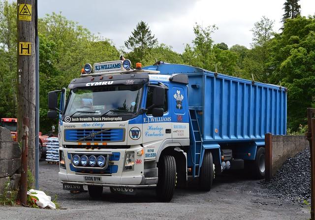 E J Williams CX06 BYW At Llanfair Caereinion