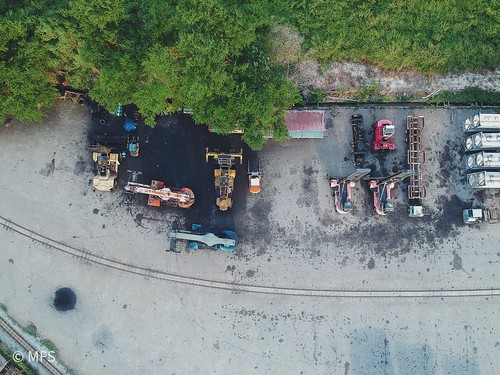 outdoors railroadtrack highangleview aerialview nopeople