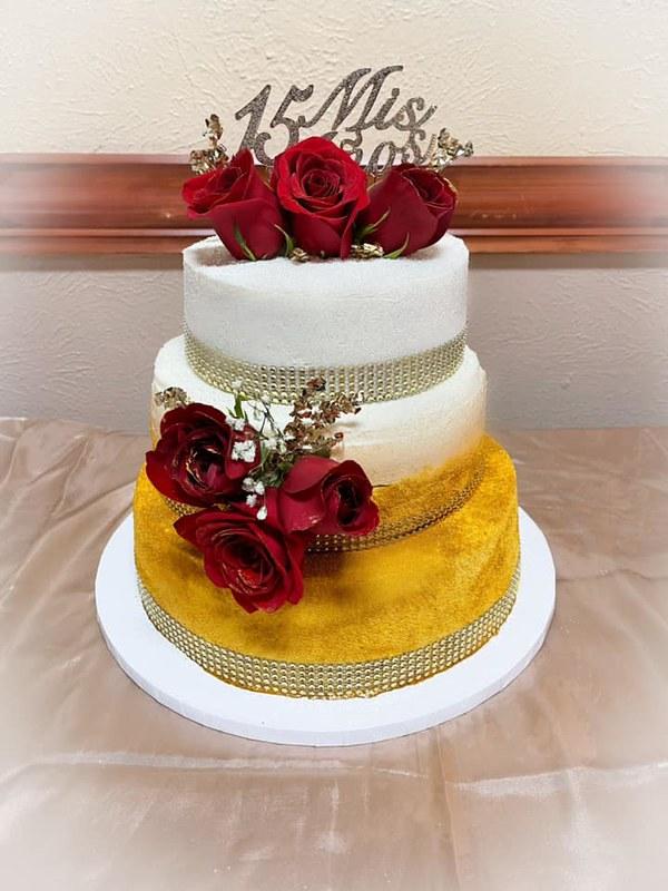Cake by Gdeantoni Bakery