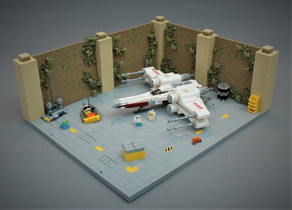 Yavin IV hangar