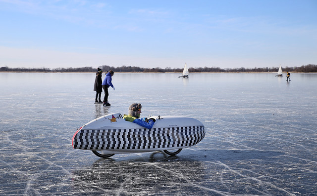 The Dutch challenge to ride a velomobile on ice