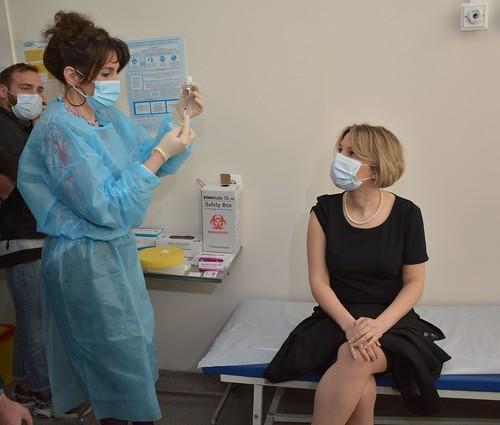 საქართველოს სახალხო დამცველი კოვიდ-19 საწინააღმდეგო ვაქცინაციაში ჩაერთო / Public Defender Gets Involved in Vaccination against COVID-19