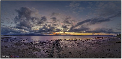 steveselbyphotography steev steveselby pentaxk1 pentax ricoh lightroom topazdenoise nikcollectiondxo on1photoraw2021 boonerahpoint lakeillawarra lake landscape irix1524 irix panorama stacked sunset